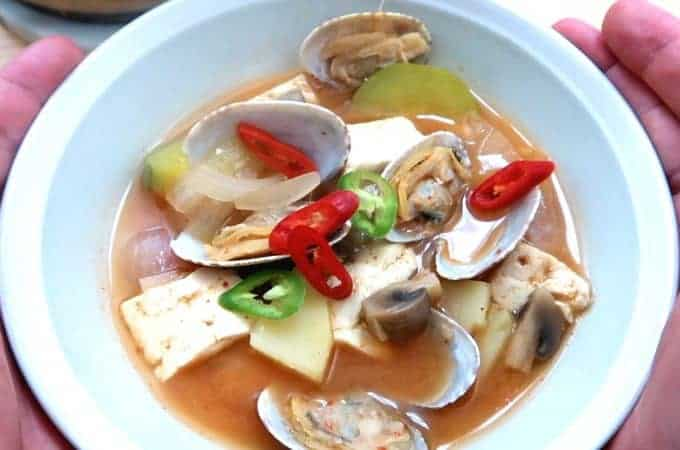 Classic Doenjang Jjigae – Make it the Traditional Way