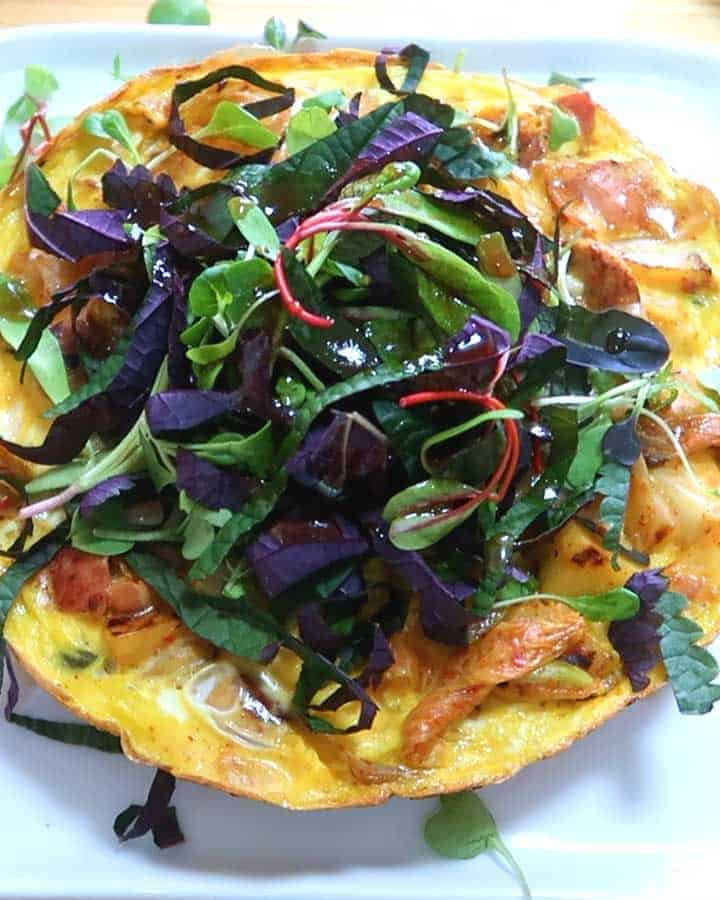 Kimchi Bratwurst Frittata