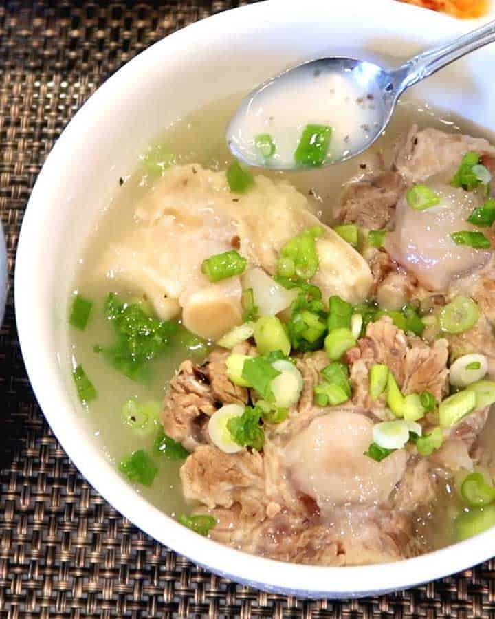 Korean Oxtail Soup - Kkori Gomtang