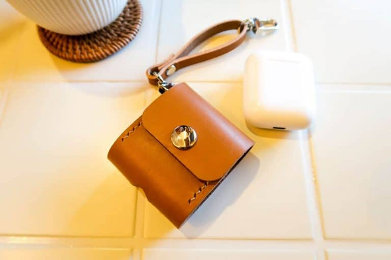 Katies Leather Airpods Case